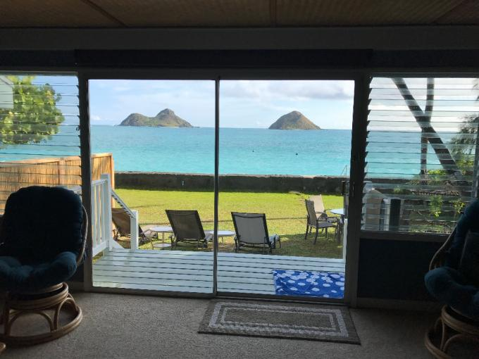 The Best Lanikai Ocean Front Location--Duplex beach house--Awesome views