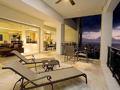 Luxurious Beachfront Condo - Resdencias Molino De Agua-5 Night Minimum Stay