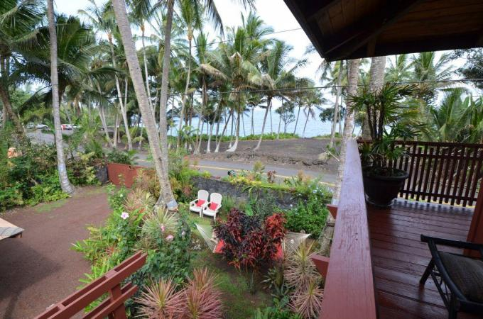 The Bali Cottage at Kehena Beach Hawaii - 1BR Oceanfront Cottage
