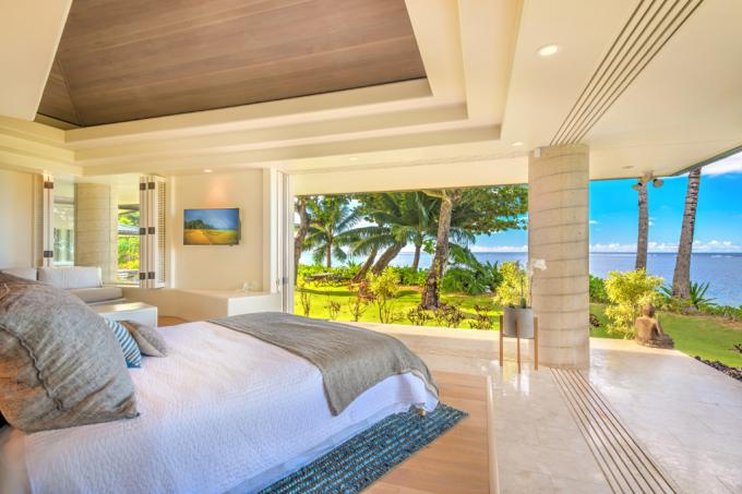 Anini Beach Front Home - 4 BR Home