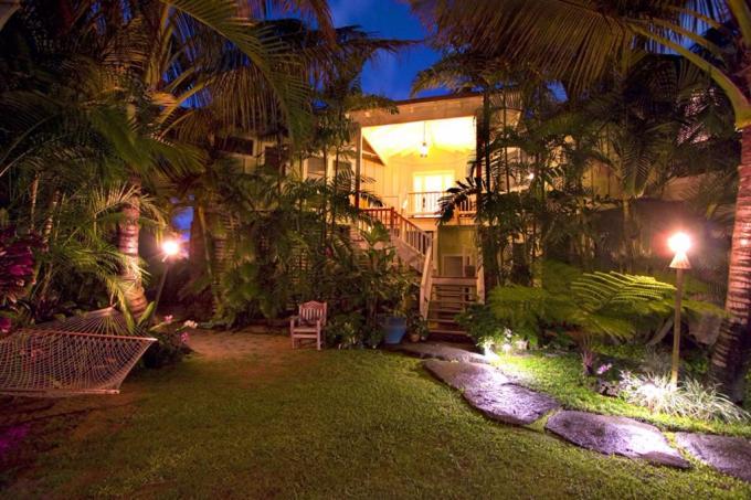 Haena vacation rental: Holo Makani Beach House - 3BR Home