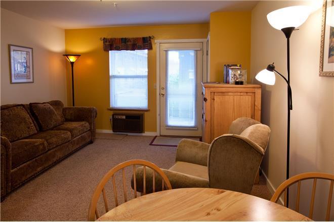 Hood River vacation rental: 09 Lodge - 1BR Home