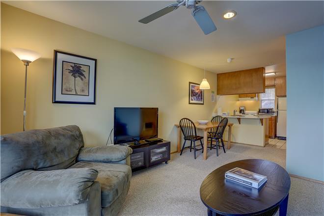 Sunriver vacation rental: 15 Lodge - 1BR Home