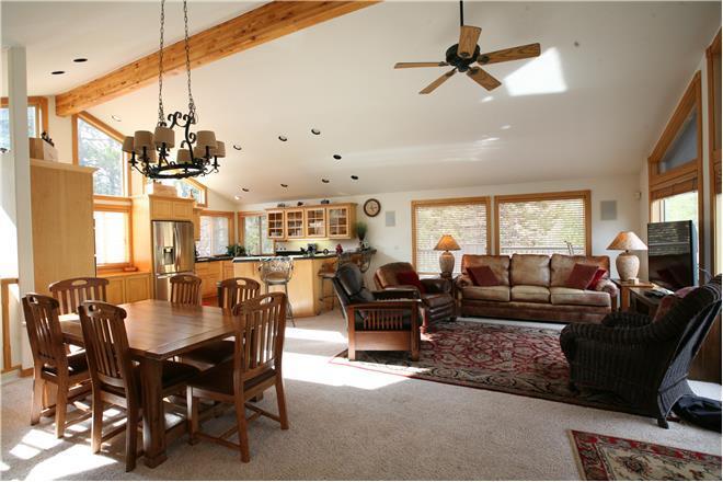 Sunriver condo rental: 2 Sarazen - 4BR Home + Private Hot Tub
