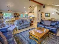 Sunriver condo rental: 23 Quelah - 6BR Home + Private Hot Tub