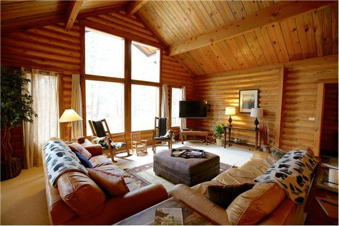Sunriver condo rental: 3 Blue Grouse - 5BR Home + Private Hot Tub