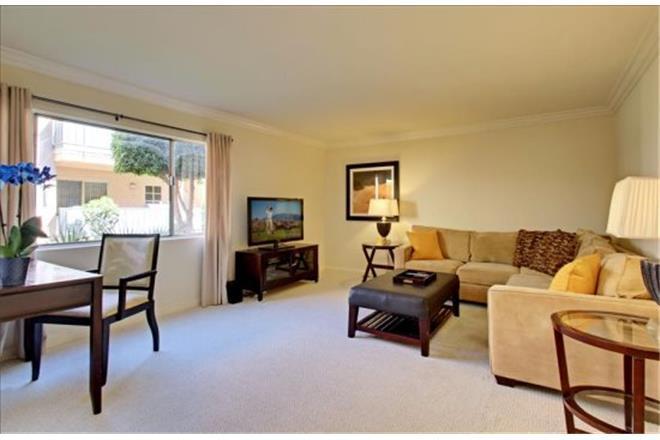 Palm Springs condo rental: Americana Gardens - 2BR Condo #118