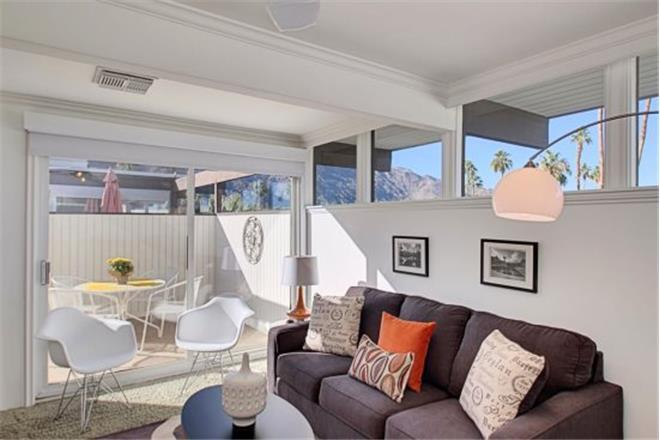 Mid-Century Pad - 1BR Home + Private Hot Tub