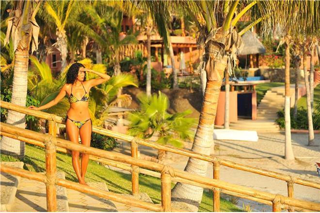 La Paz vacation rental: Rancho De Costa - 10BR + Den Home + Private Pool + Private Hot Tub