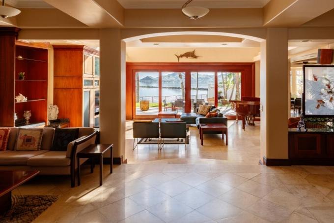 Bay Front Kohola Hale - 12BR Villa
