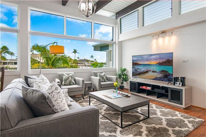 Holo Holo Hale - 3BR Home Water View + Private Hot Tub