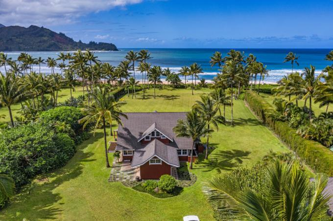 The Red House in Hanalei - 5BR Beachfront Home