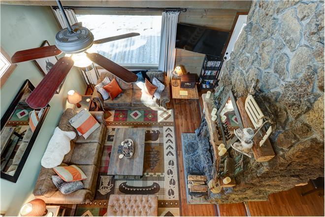Bend condo rental: 3 Landrise - 3BR Home + Private Hot Tub