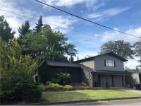Hood River vacation rental: Retro West - 2BR Home